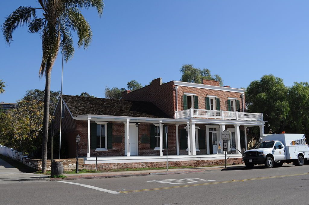 Real Haunted Houses: Whaley House